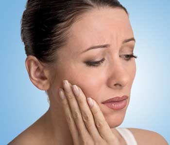 Lady suffering from gum disease